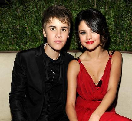 justin bieber and selena gomez pictures 2011. justin bieber and selena gomez