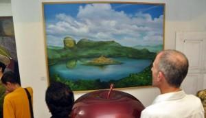 Lukisan Candi Borobudur di tengah danau - [www.Kalteng-Tech.blogspot.com]