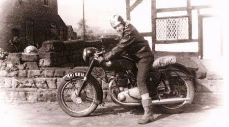 Gambar motor sport lawas Kuno
