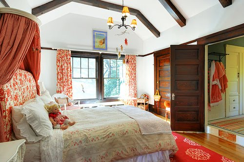 Swedish vs french country b b for Bedroom ideas to boost intimacy