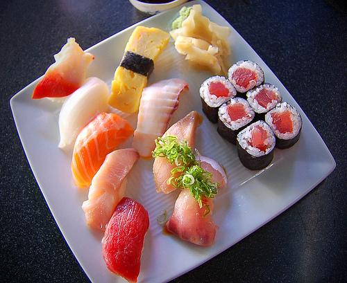 shusi plater raw plate tuna wasabi japan japanese rice yummy