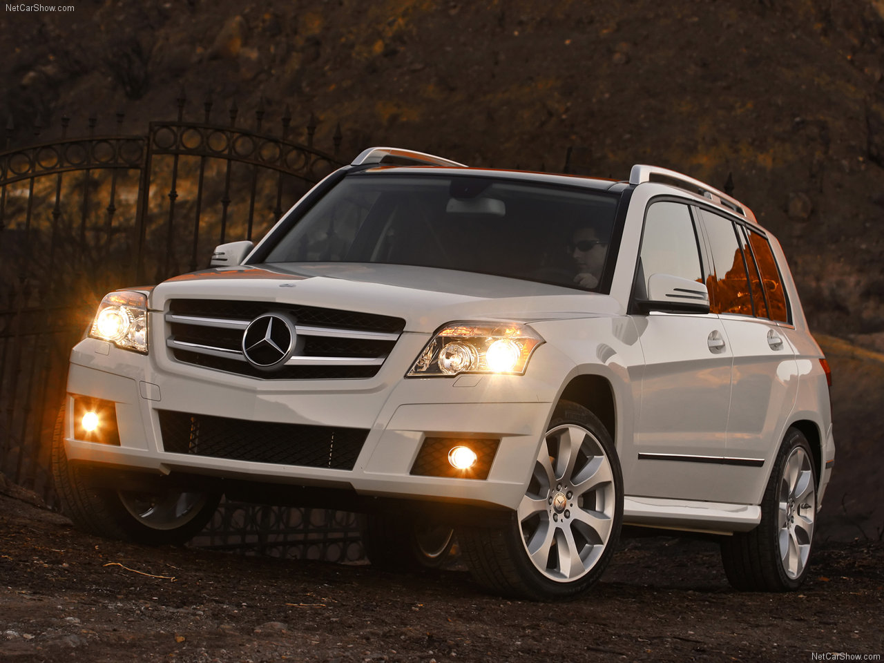 2010 mercedes benz glk 350 4matic mercedes benz cars for Mercedes benz glk 350