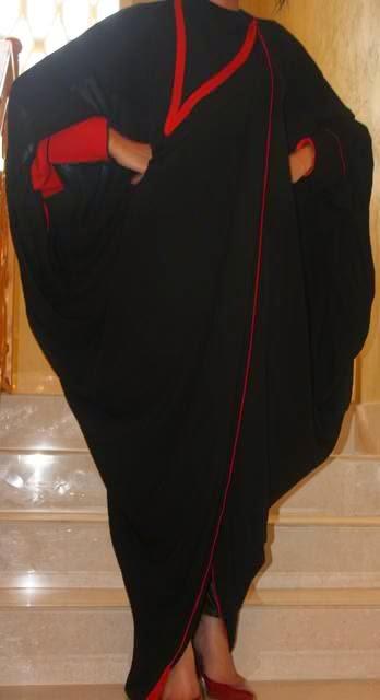 عبايات قطرية سوداء