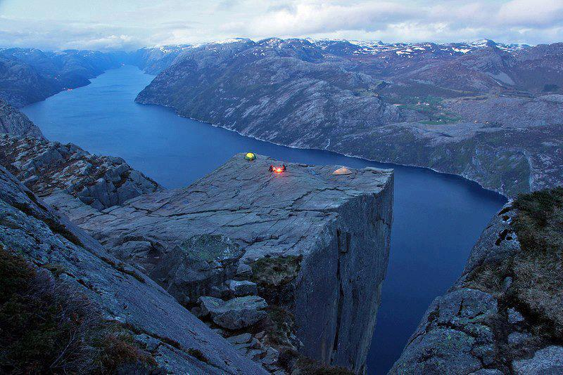 Preachers-Rock-Norway-picture