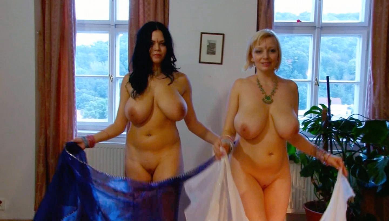 2 lesbian ve turkish cameraman - 1 5