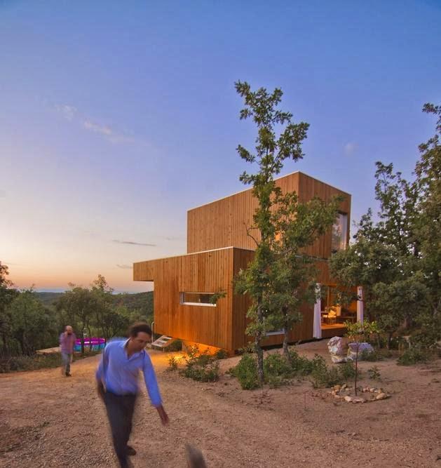 Rumah Kabin Kecil Terbuat Dari Kayu