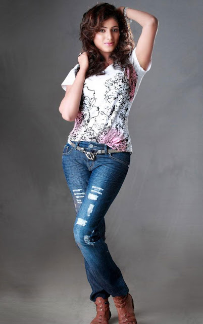 haripriya sizzling shoot glamour  images