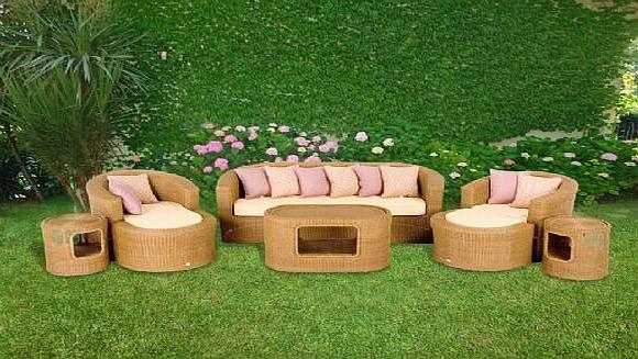 Hasır koltuklar ve hasır sehpa modelleri bahçeler için çok ideal
