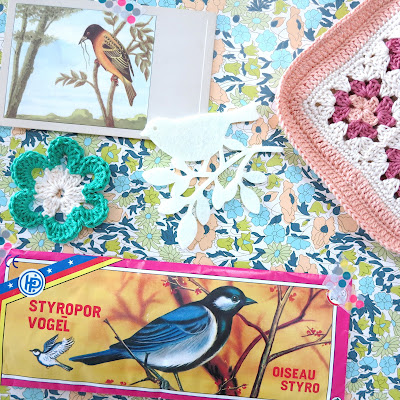 ByHaafner, bird, granny square, flower wallpaper, granny chic, crochet, vintage cards, potholder