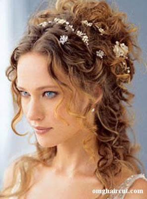 c2a8e Half Up Half Down prom hairstyles Reasons to Choose Half Up Half Down Prom Hairstyle