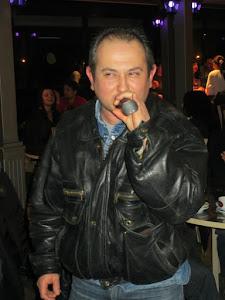 Cantante paonazzo....Al Bistrot pub