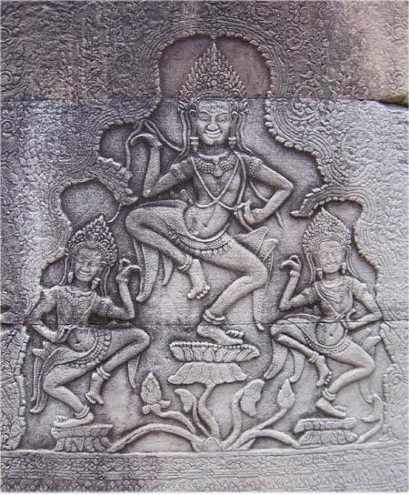 danse-apsaras-bas-relief-bayon