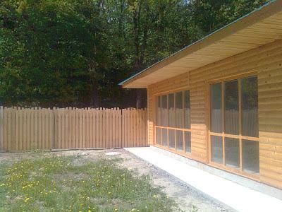 Во время летней жары когда в тени +30 в доме температура не поднималась выше +20 градусов.