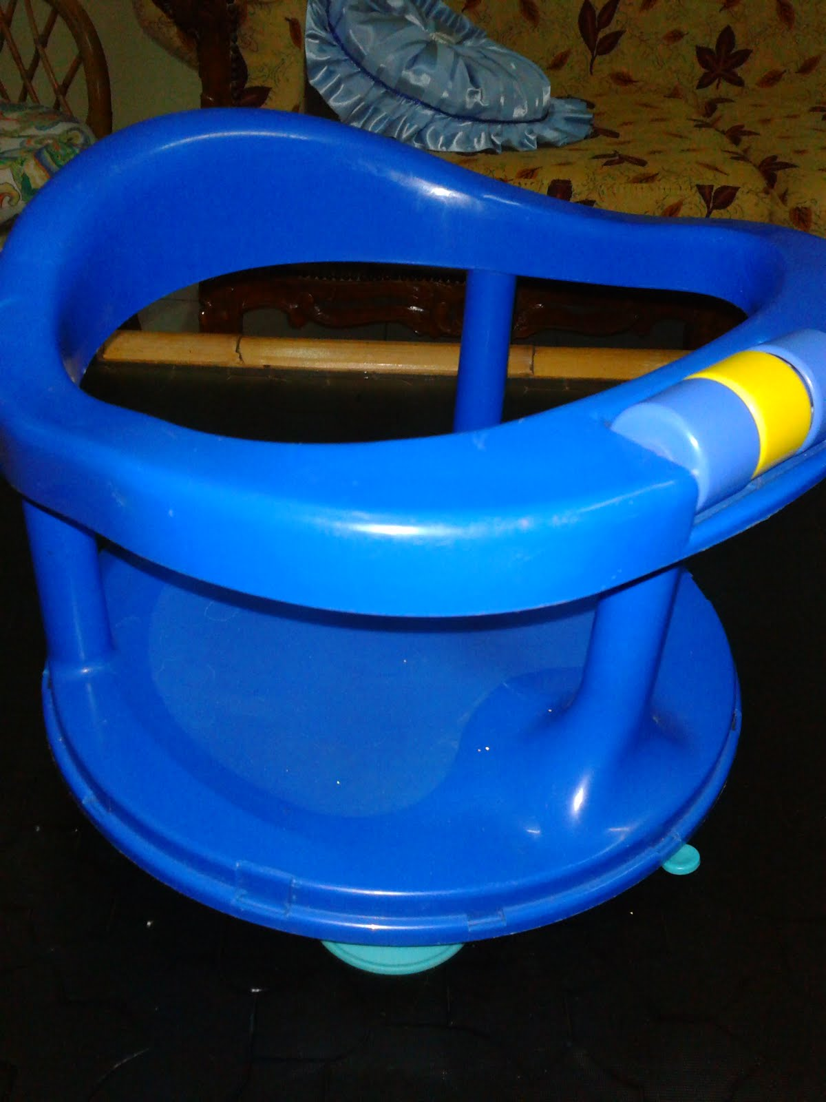 Pu3 Store @~Sold Item~@: Safety 1st Swivel Baby Bath Seat