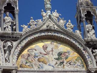 Detalle Fachada Basilica de San Marcos - Venecia. La Basilica de San Marcos en Venecia. Italia. Iglesias de Italia