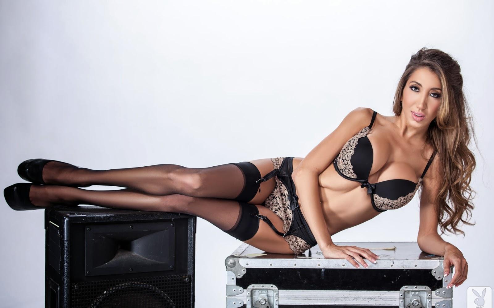 Krystin Hagen Mature Big Breasts Playboy Diva Wallpaper