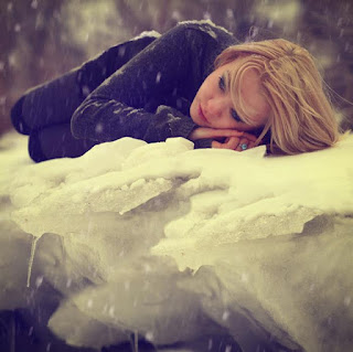 girl-crying-upset-after-loving-a-cold-heart-photography-image.jpg