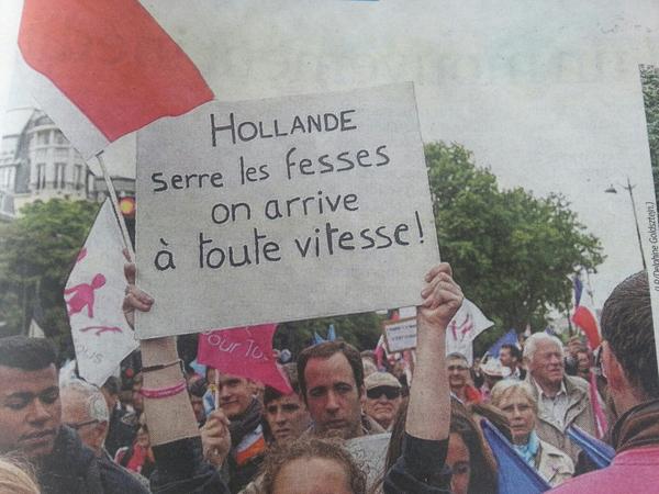 Hollande serre les fesses