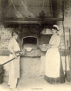 un cassoulet cuit chez le boulanger