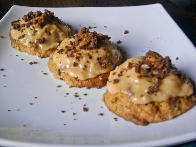 Graham Snickers and Oatmeal Cookies with Custard Frosting