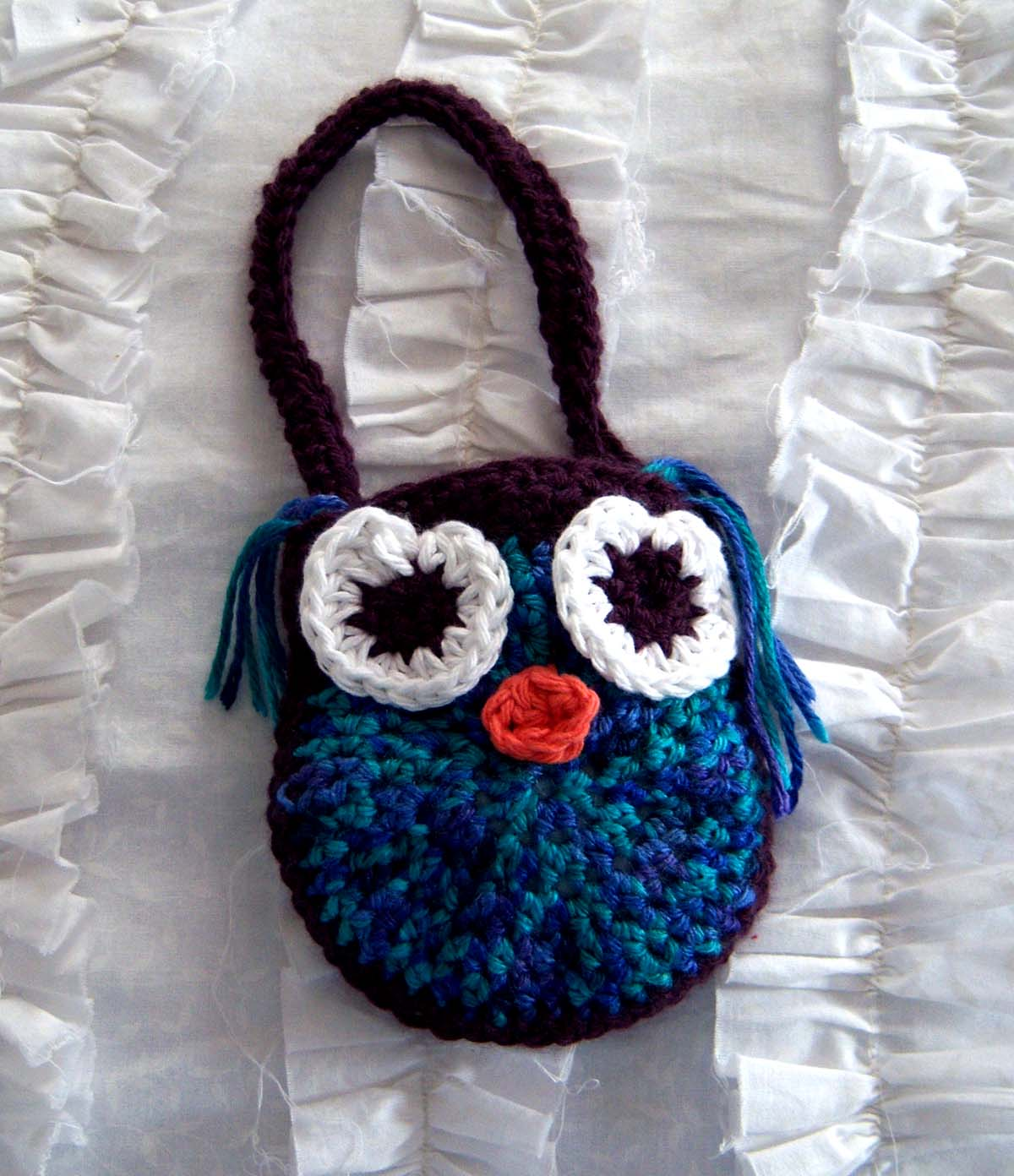 Shoregirls creations february 2012 owl purses i found this adorable pattern for a crocheted owl purse bankloansurffo Image collections
