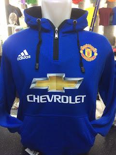 gambar desain terbaru jaket hoodie Man United gambar foto photo kamera Jual jaket sweater Manchetsr United Adidas chevrolet warna biru terbaru 2015/2016 di enkosa sport toko online terpercaya lokasi di jakarta pasar tanah abang
