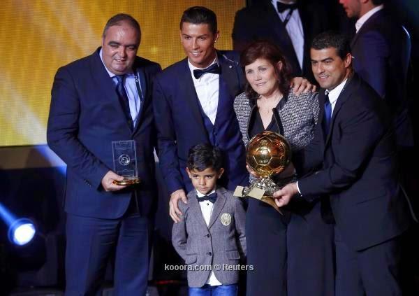 كريستيانو رونالدو أفضل لاعب في العالم 2014 وينال الكرة الذهبية للمرة الثالثة