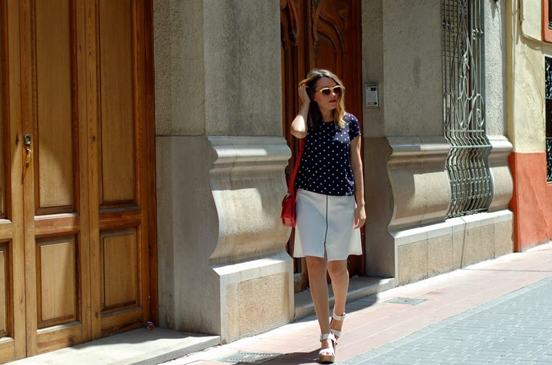 blouse with dots and white skirt street style littledreamsbyr