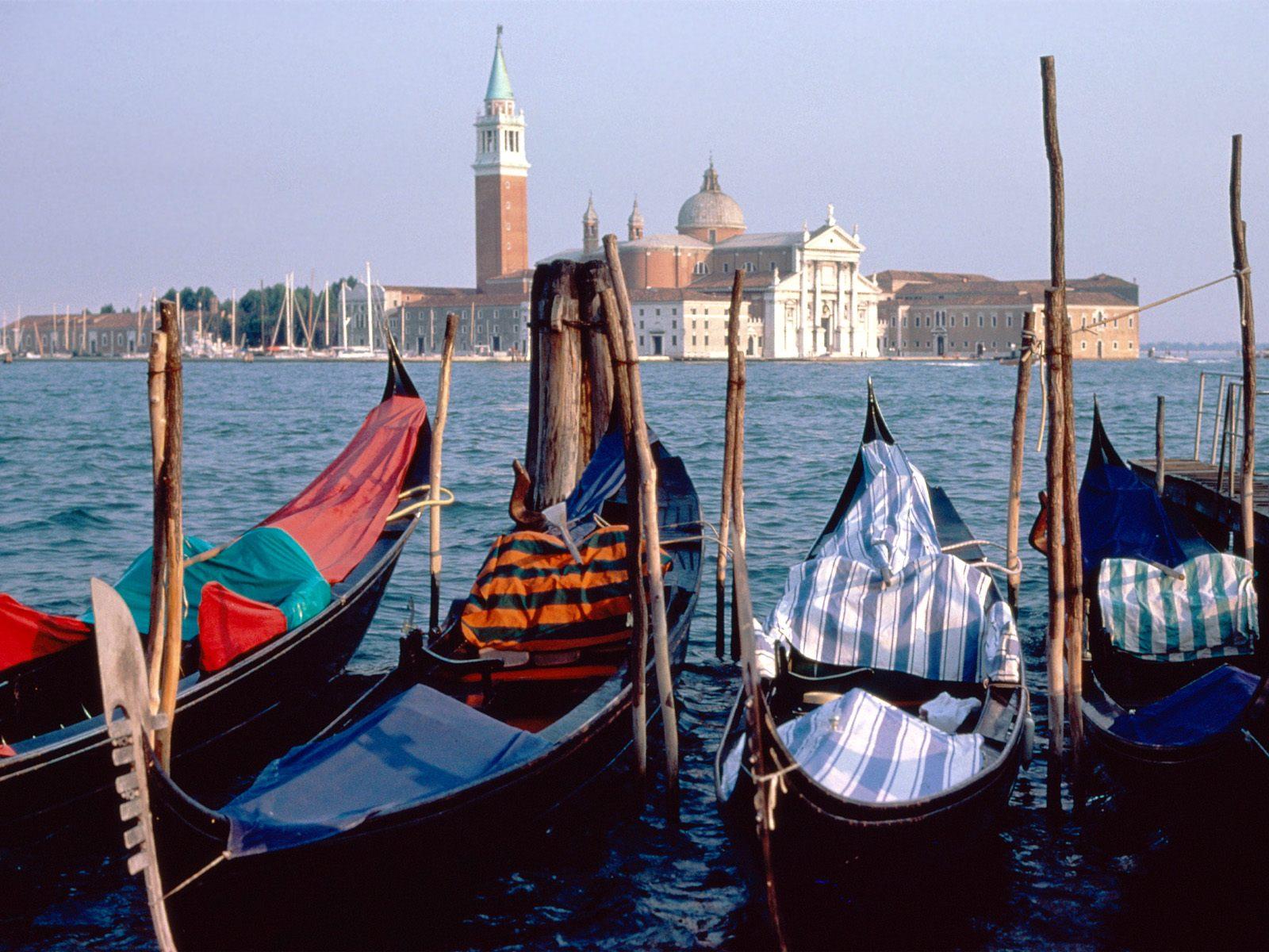 http://3.bp.blogspot.com/-C37bHfVpO6s/Tcp5J4eifQI/AAAAAAAACYo/1RjB_Fedv4I/s1600/Venice%252C+Italy.jpg