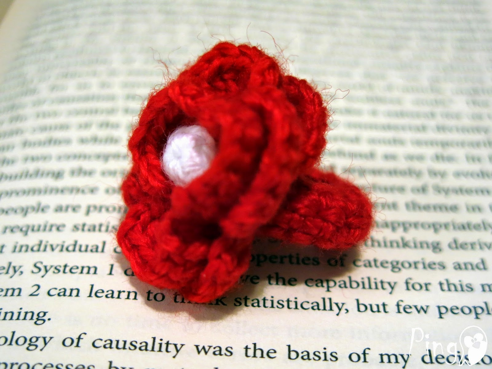 Rose ring crochet pattern by Pingo - The Pink Penguin