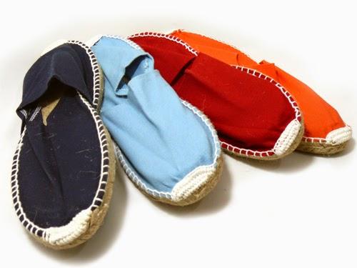 Aunque puede que algunas de vosotras no tengáis ese problema, otras recurrimos al zapato extremadamente confortable tal y como pueda ser la alpargata.