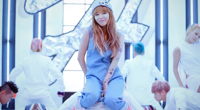 Hyuna  Ice Cream dance move