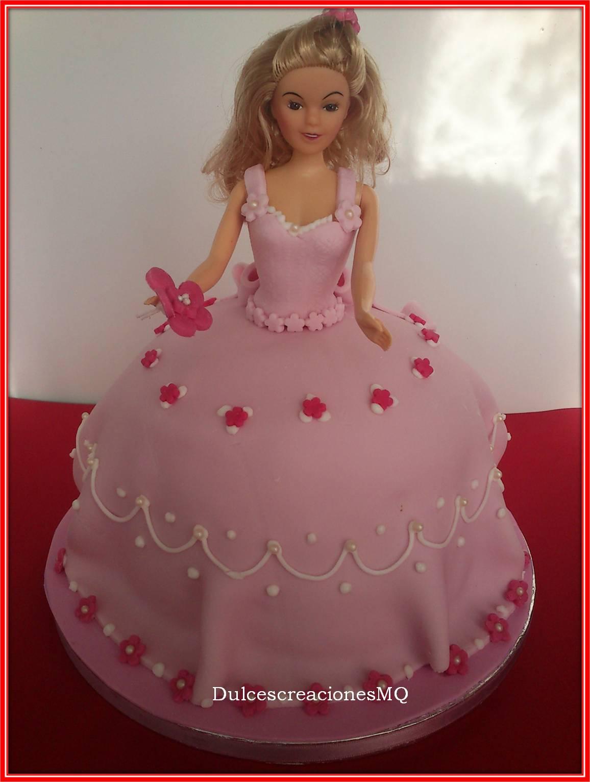 Bizcocho Victoria Sponge Cake Pastel Tarta Princesa Fondant Cumpleaños Niña Rosa Muñeca Vestido Buttercream Fruta de la Pasión Chocolate
