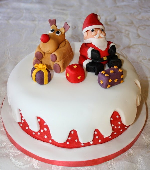 Christmas Cake Decoration Ideas Icing : Toppers Galore: Decorating Your Christmas Cake - Interior ...