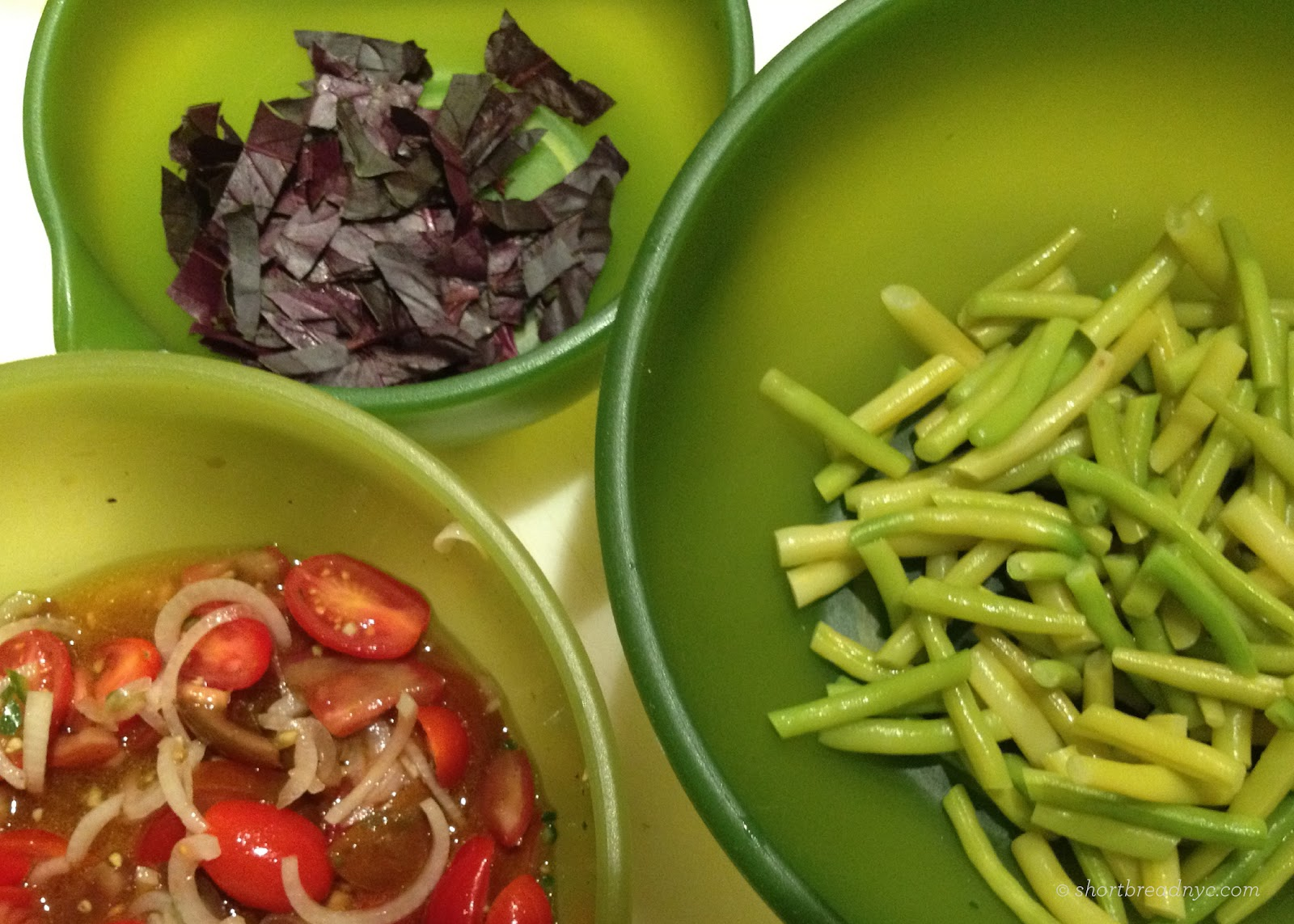 Yellow Bean & Cherry Tomato Salad with Creamy Dressing (Vegan & Glute...
