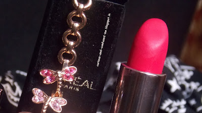 L'oreal Paris Moist Matte Limited Edition Swarovski Lipstick in Rasberry syrup review swatch, L'oreal Paris matte lipstick Rasberry syrup review swatch