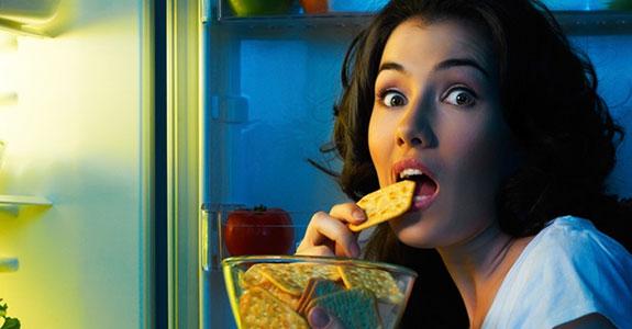 Bahaya Makan Diatas Jam 7 Malam