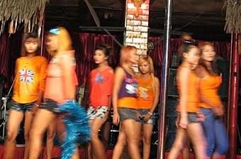 Nightclub models at Thaingizay