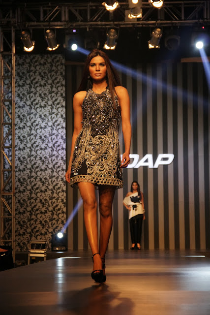 Sana Safinaz's sophisticated collection