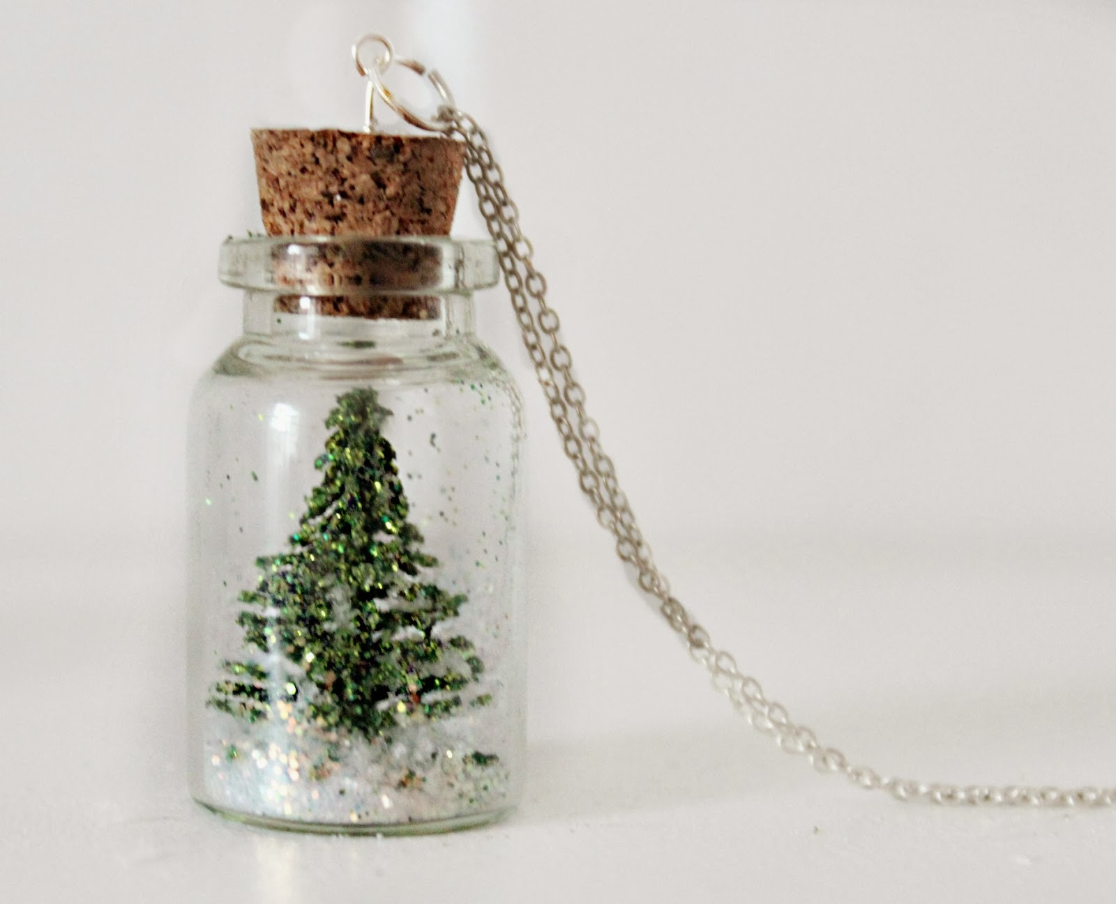 365 days of pinterest day 26 diy christmas tree snowglobe necklace
