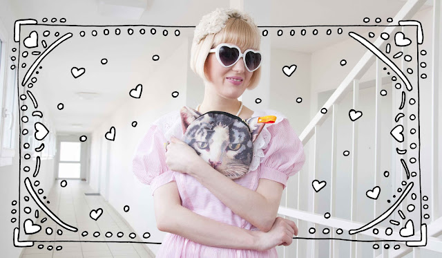 Ahcahcum, heart shaped glasses, cat bag, lolita