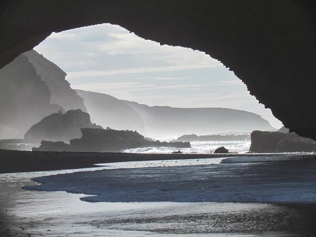 the Arc of Mirleft, een prachtig natuurverschijnsel langs de kustlijn.