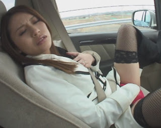 girl can't stop masturbating even in a car
