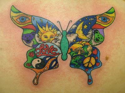 Tatuaje mariposa hippie