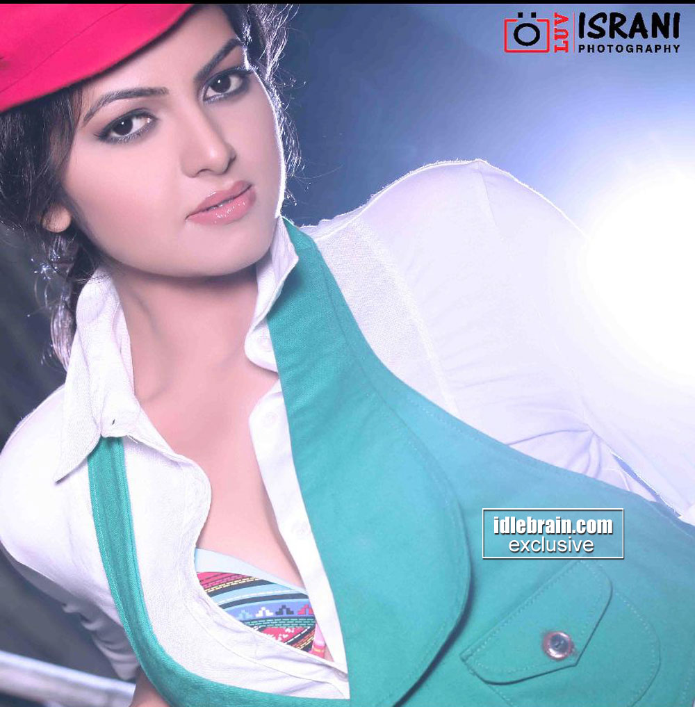 Richa green and white with colorful bra showing  - Richa green and white HOT BABE PHOTOSHOOT