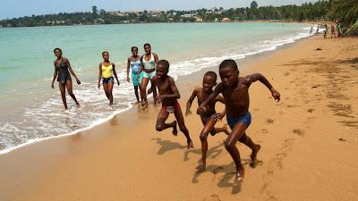 Portuguesa ilibada do crime de tráfico de menores já pode sair de São Tomé