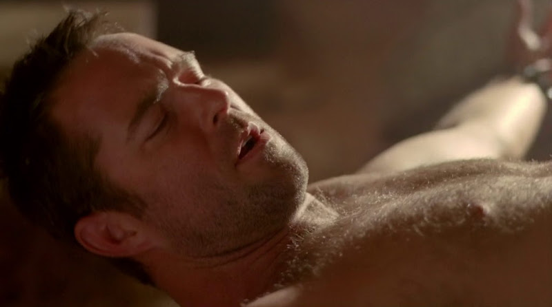 Sullivan Stapleton Shirtless in Strike Back s1e04