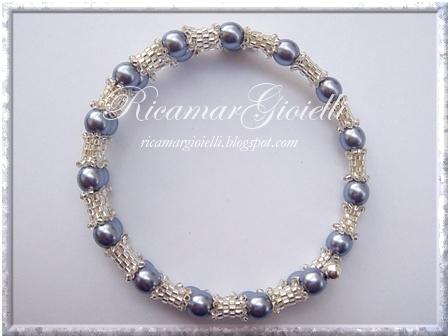 bracciale filo armonico, tubicini in peyote e perle