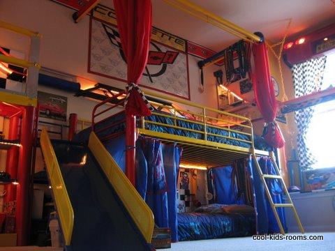 Decoration chambre ado avec lits superposes