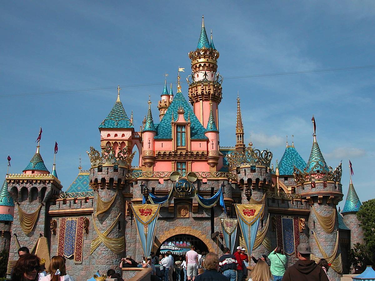 Disneyland Hotels near Disneyland, Hotels in and around